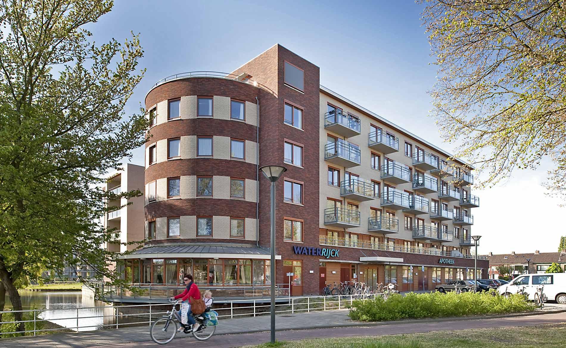 Stadsvernieuwing Heemskerk Waterrijck Lessestraat woonzorg woningen park BBHD architecten