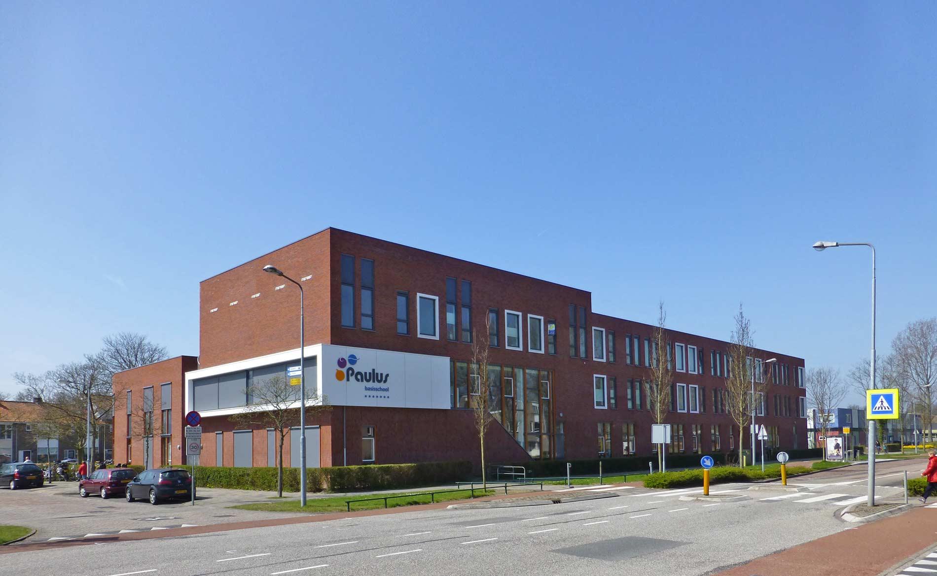 brede school architect BREEAM peuterspeelzaal bso appartementen Paulusschool Castricum BBHD architecten