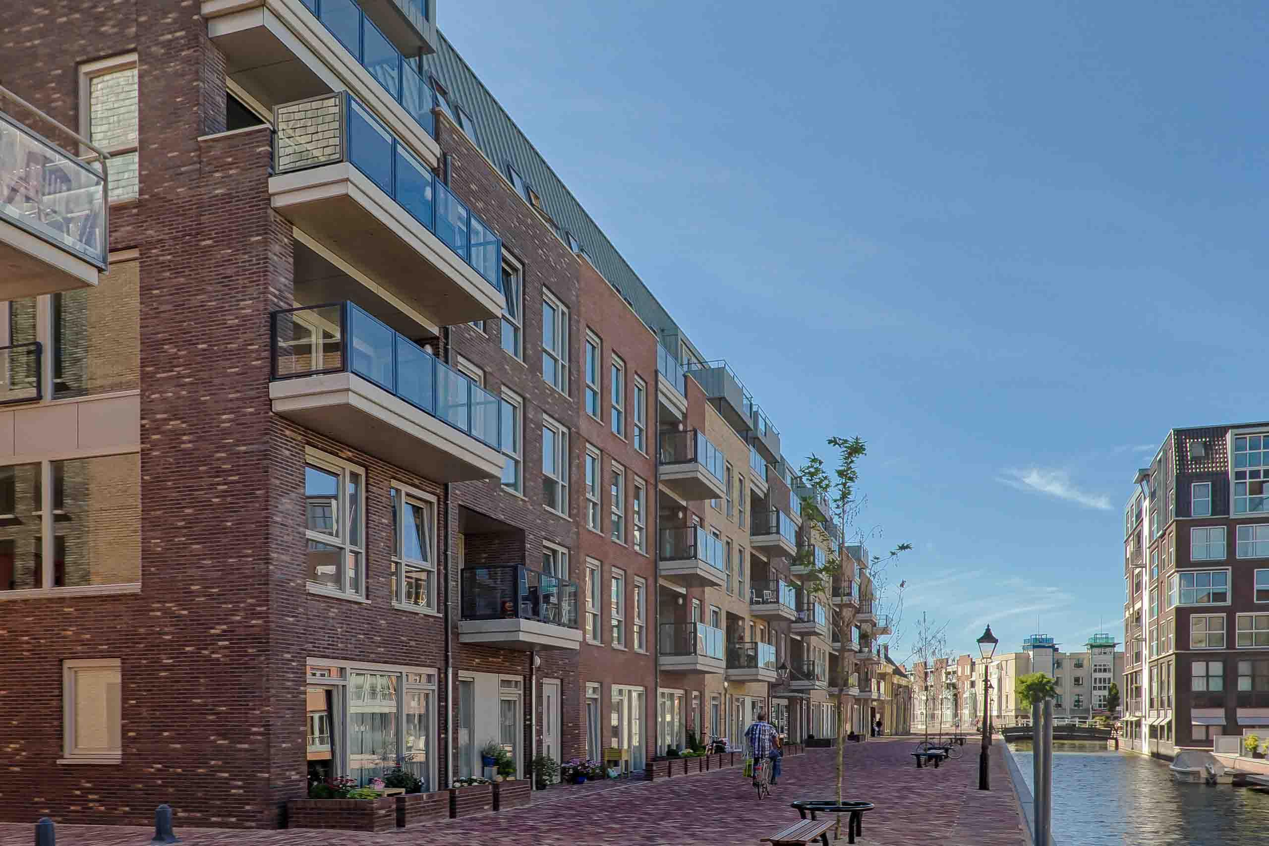 Alkmaar appartementen woningen woningbouw architect Ton van 't Hoff architectuur herstructurering