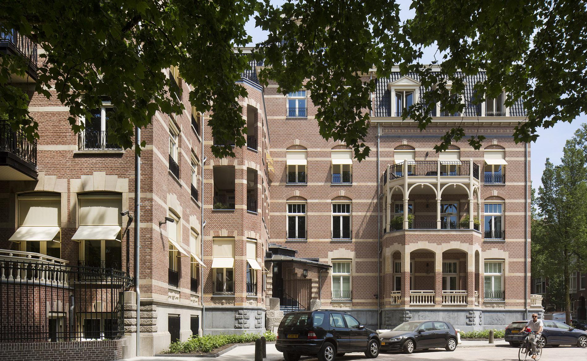 nieuwbouwprijs appartementen La Reine Amsterdam architect Ton van 't Hoff BBHD architecten transformatie