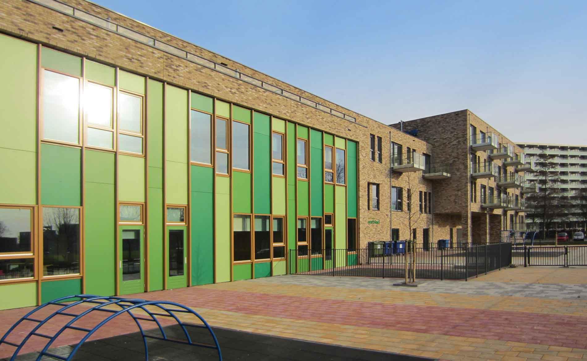 architect frisse scholen duurzaam basisonderwijs woongebouw appartementen Het Klaverblad Amsterdam BBHD architecten